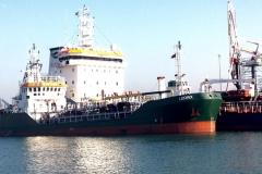 island-oil-galley-lerrix-2-1